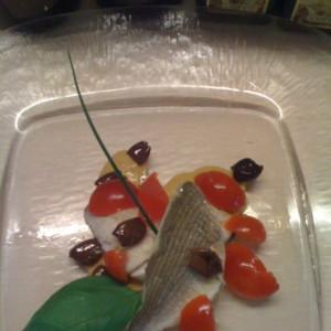 Orate con olive e pomodori