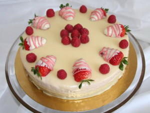 Torta di fragole,ricotta e cioccolato bianco