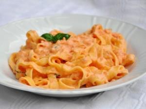 Pasta con salsa di peperone
