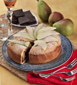 Torta ripiena alle pere e cioccolata