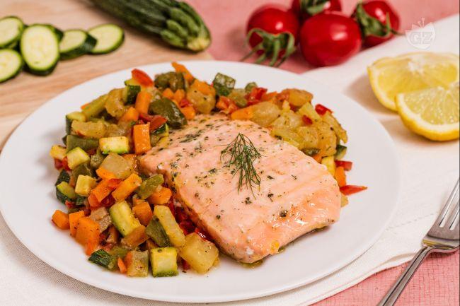 Filetti di salmone cotti al vapore il piacere del gusto - Cucina a vapore ricette ...