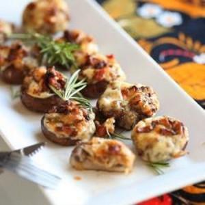 Antipasto di funghi al forno con pancetta