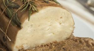 Arrosto di seitan con crema di funghi