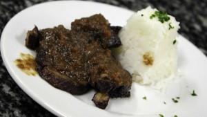 Brasato vegetariano con riso pilaf