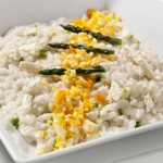 """ ⇨ Risotto con asparagi, scaglie di parmigiano e """"mimosa"""" d'uovo"""