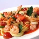 |⇨ Fettuccine ai frutti di mare con crema di peperoni rossi