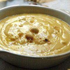 Zuppa fredda di noccioline