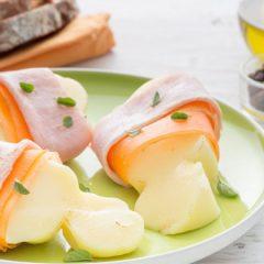 Scamorza al forno con prosciutto cotto e carote