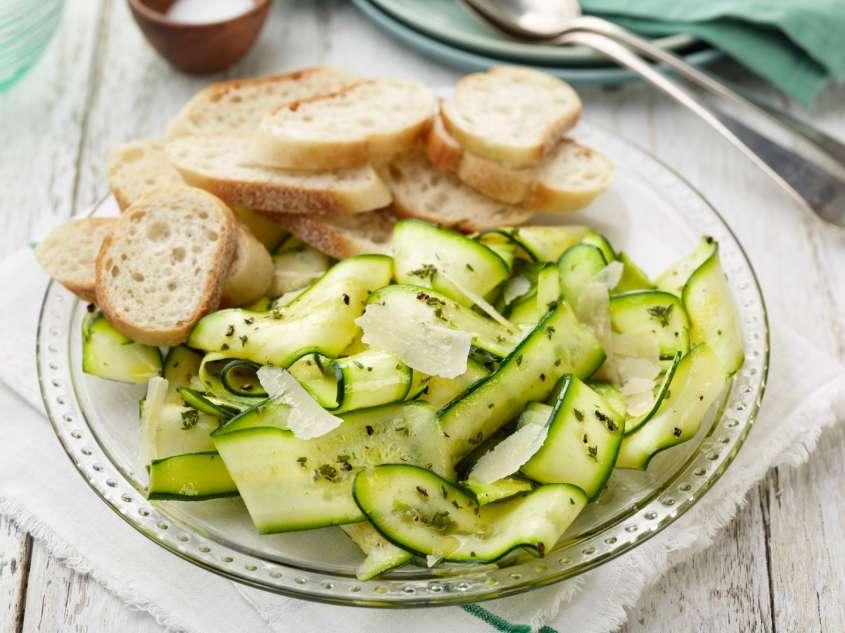 Carpaccio di zucchine al pepe verde