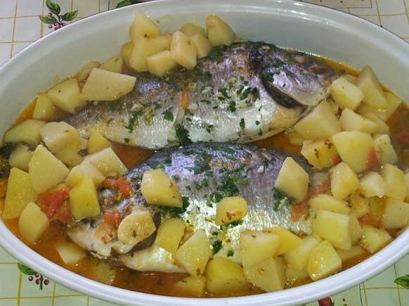 Orate con patate e pomodorini
