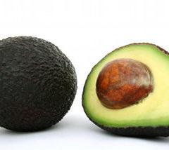 Stuzzichini all'avocado acerbo