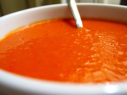 Zuppa Vegana di Peperoni Rossi